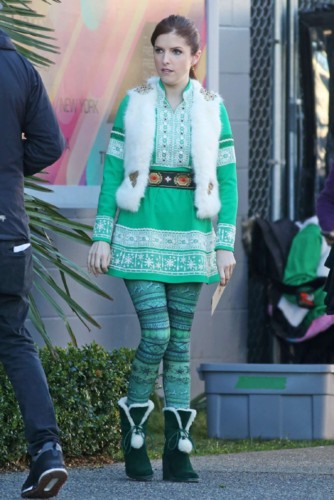 Anna-Kendrick -On-the-set-in-Vancouver--20.jpg