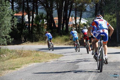 BTT XCM 2012 Montemor (109) Atletas pela estrada
