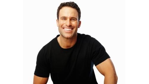 Homem a sorrir