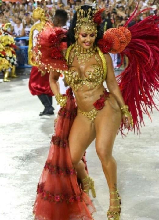 Viviane Araújo 4 (Carnaval Rio 2020).jpg