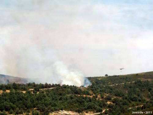 Fogo na Serra de Montesinho junto do Rio de Onor