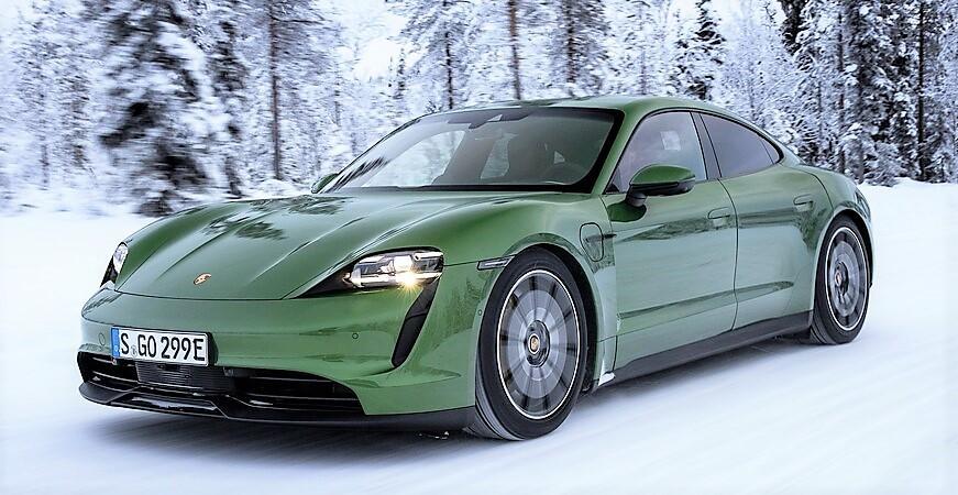 2021-Porsche-Taycan-4S-in-the-snow-61.jpg