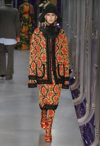 Gucci-desfile-FW17-46.jpg