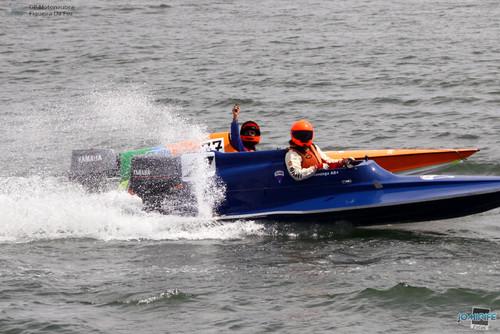 GP Motonautica (093) Corrida T850 Barco danificado