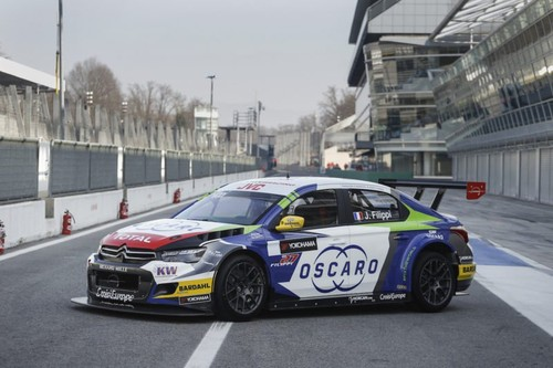 WTCC-John-Filippi-OSCARO-team-car-800x533.jpg