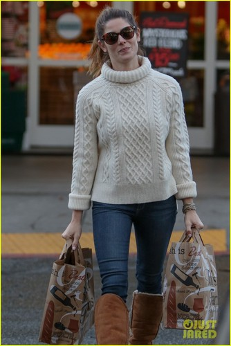 ashley-greene-reminisces-about-new-zealand-holiday