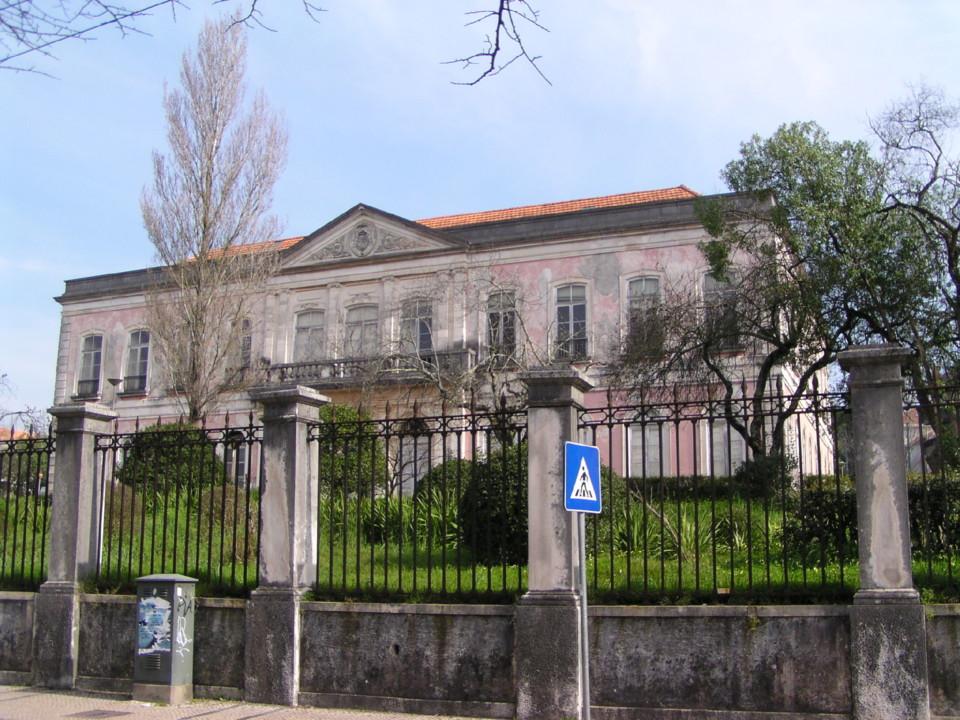 Edificio a ARS.JPG