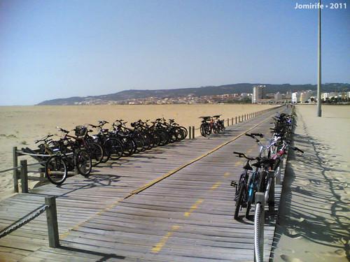 Estacionamento bicicletas na praia Figueira da Foz
