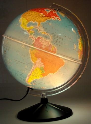 Num globo que dava uma luz do tamanho do mundo...