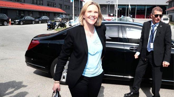 ministra norueguesa.jpg