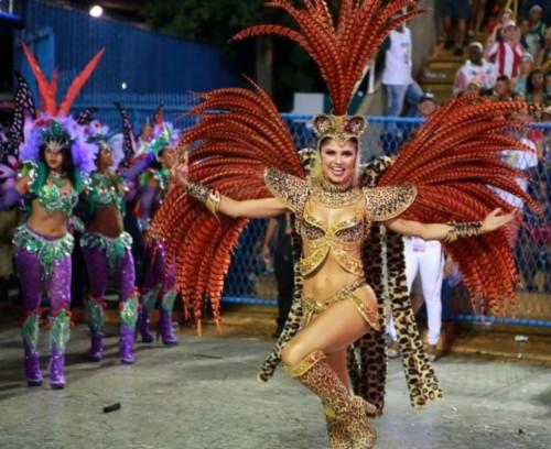 Julianne Trevisol (Carnaval Rio 2019).jpg