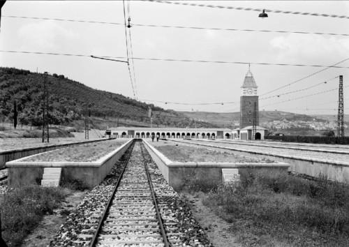 Estação do Estádio Nacional (M. Novais, [s.d.])