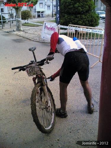 XCO MaiorBTTca - Tirar a lama e vegetação na bik