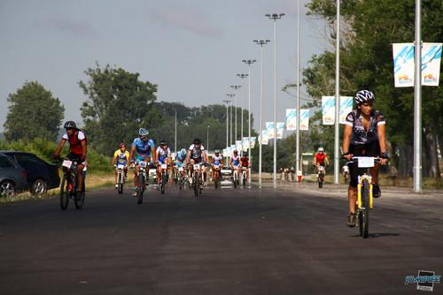 BTT Coimbra XCM 2012 Montemor 018 Atletas na recta