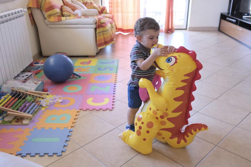 Rodrigo e o dinossauro.jpg