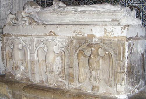 Túmulo de Vataça Láscaris rodeado de águias bi