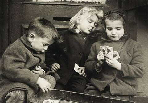 ruth-orkin-the-card-players-1947.jpg