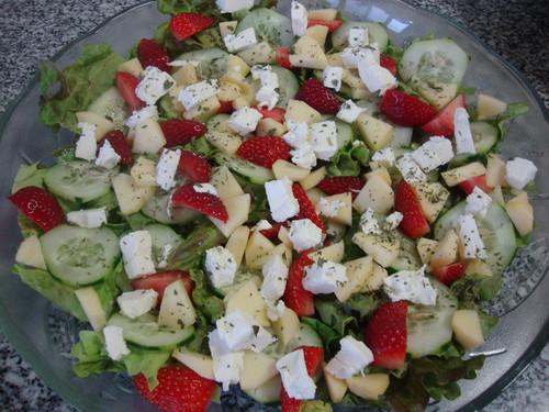 salada de morangos e maça