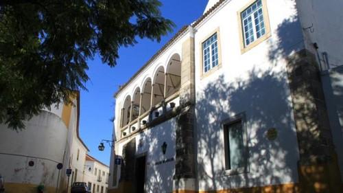 Casa de Monfalim