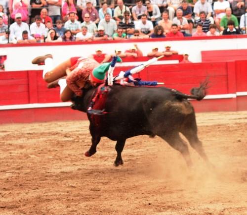 Zé Vicente, na melhor pega da corrida...