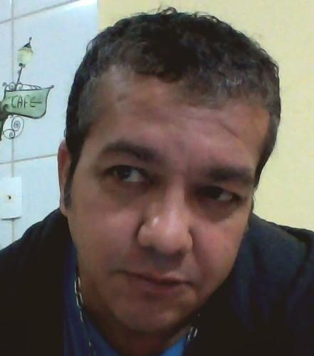 CARLOS.jpg