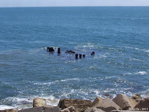 Restos do barco naufragado no Cabedelo (Fig Foz)