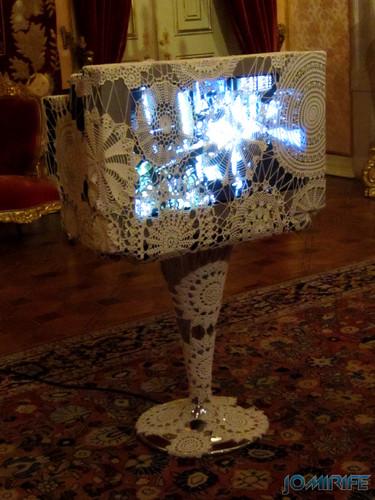 Joana Vasconcelos - Euro-Visão 2005 aka Televisão antiga com renda [EN] Euro-Vision - Old television with lace