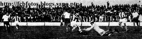 1954-55-atletico-fcb-viegas ataca ernesto gr do at