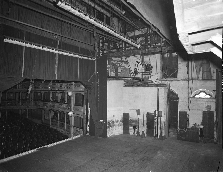 Teatro Apolo, palco, 1957, foto de Armando Serôdi