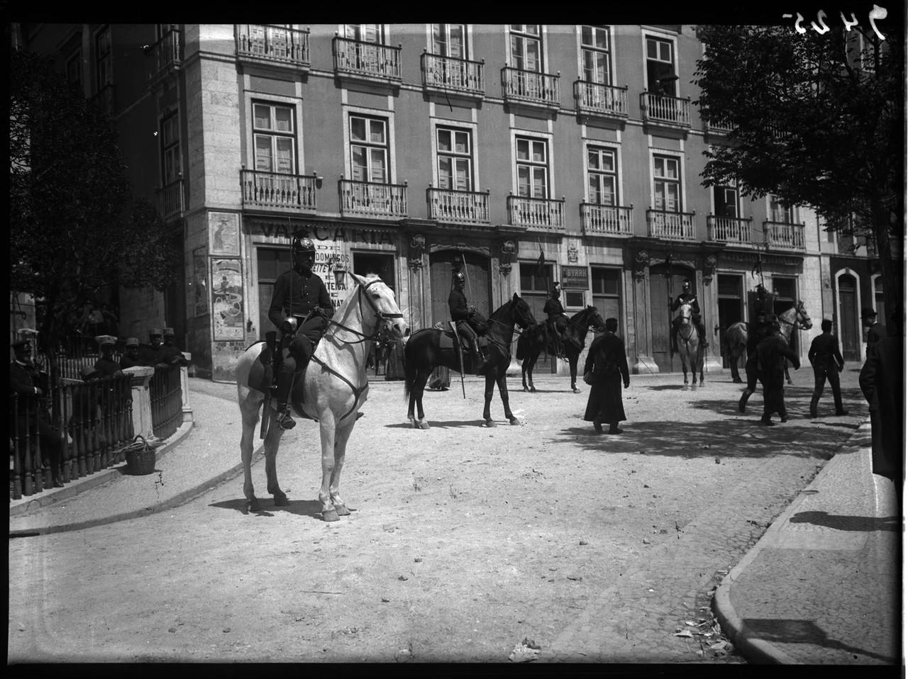 O Palácio em 1908 durante as eleições, foto de