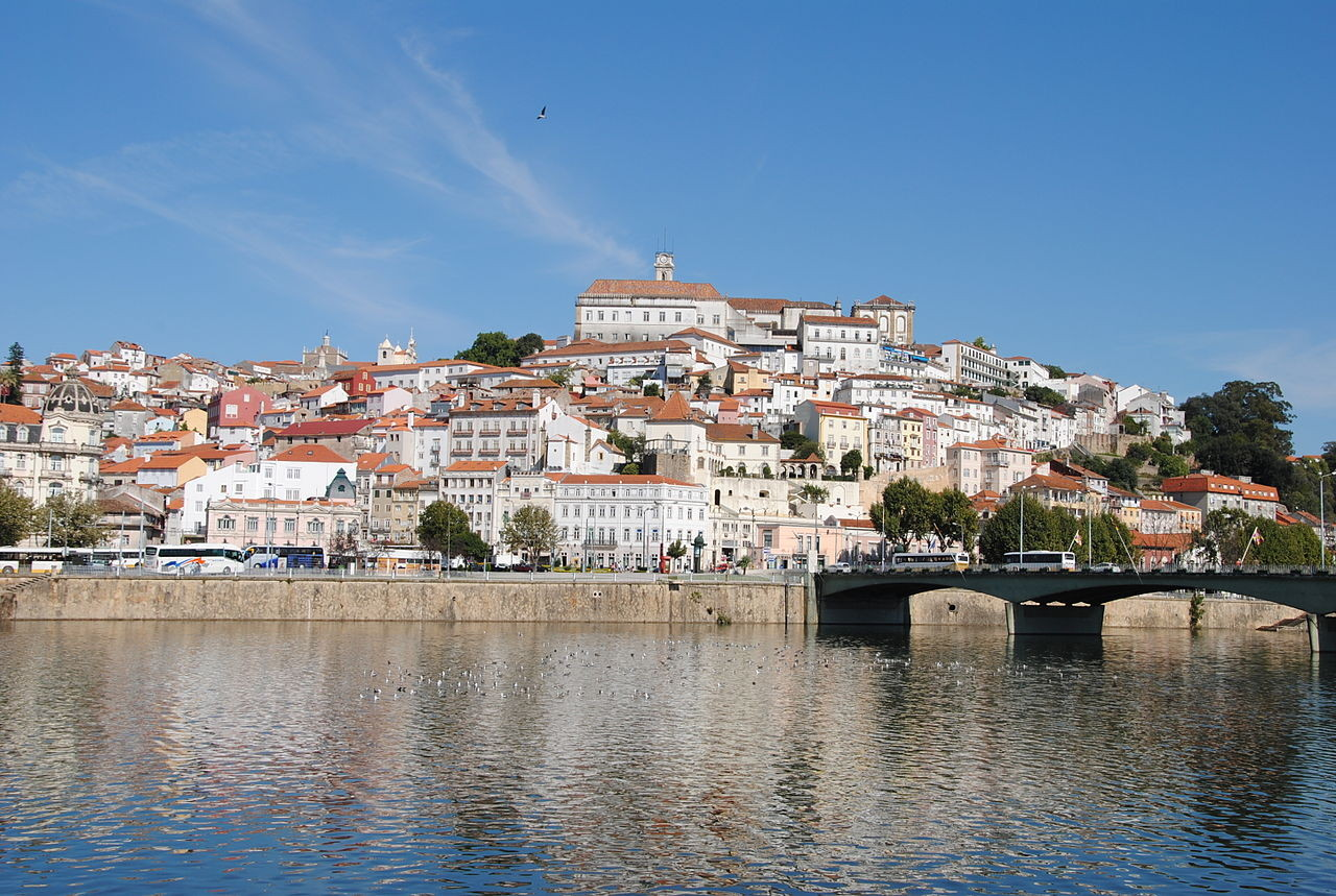 Coimbra_e_o_rio_Mondego_(6167200429).jpg