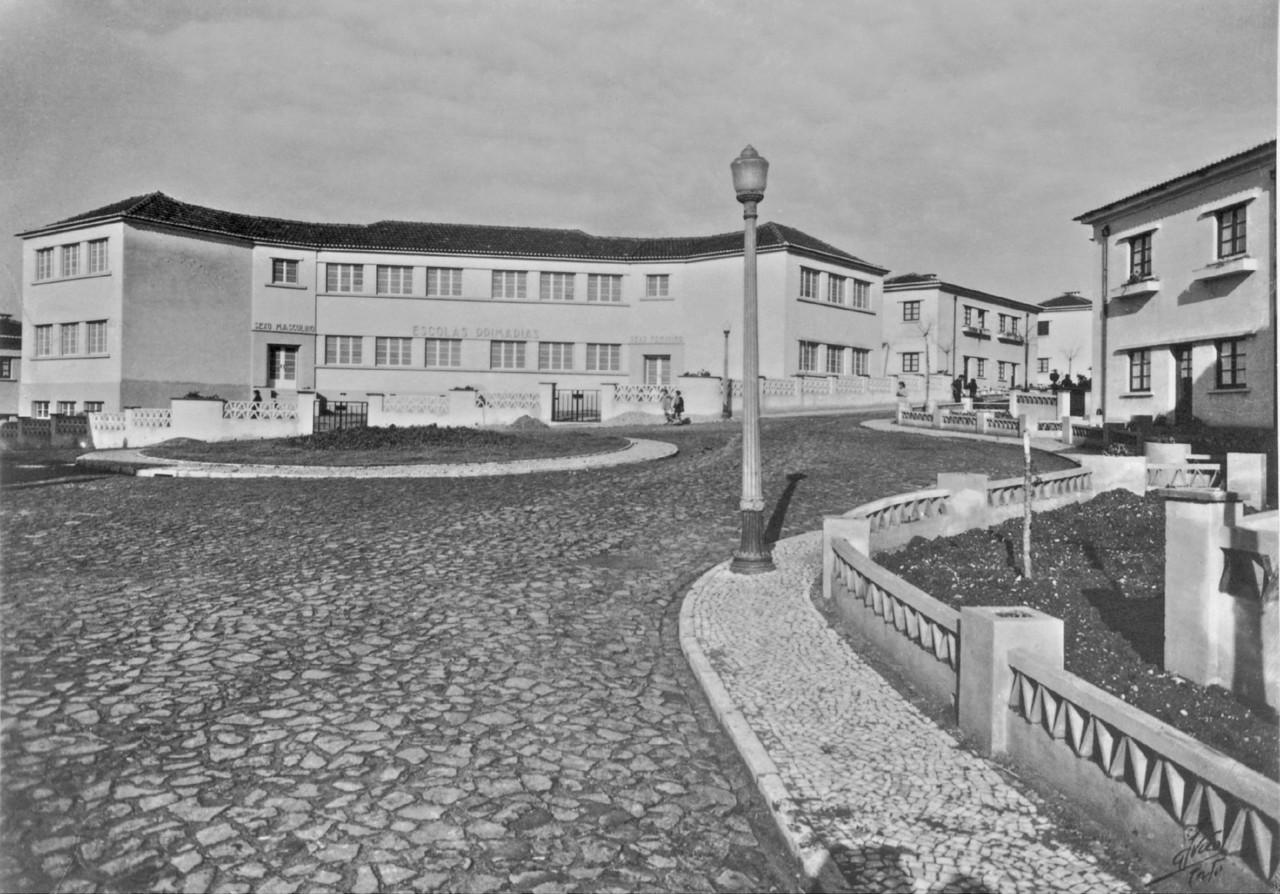 Largo das Escolas, Belém (M. Novais, s.d)