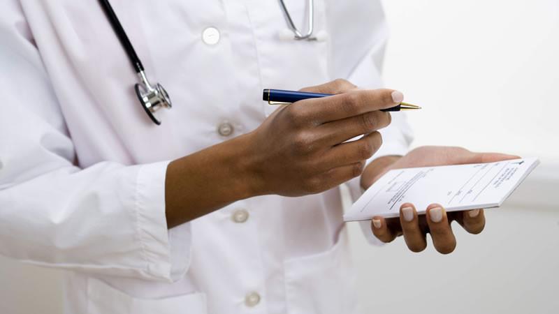 medico-em-horario-de-trabalho-tudo-o-que-precisa-d