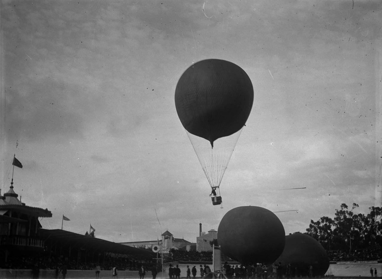 A ascenção do balão Nacional, foto de Alberto C