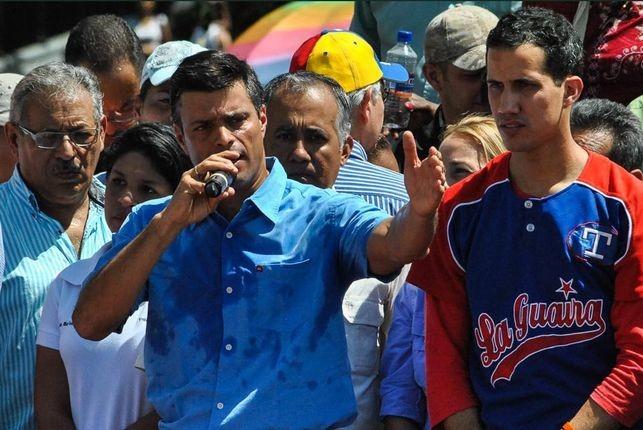 Leopoldo-Lopez-autoproclamado-Juan-Guaido_EDIIMA20