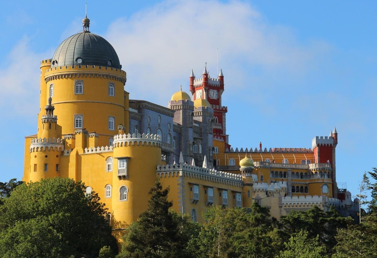 palace-1453029_1280.jpg