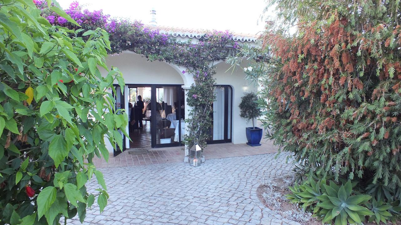 Restaurante-Bon-Bon-Entrance.jpg