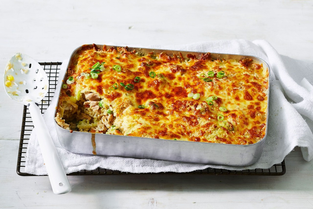 10-minute-tuna-mornay-pasta-bake-158070-3.jpeg