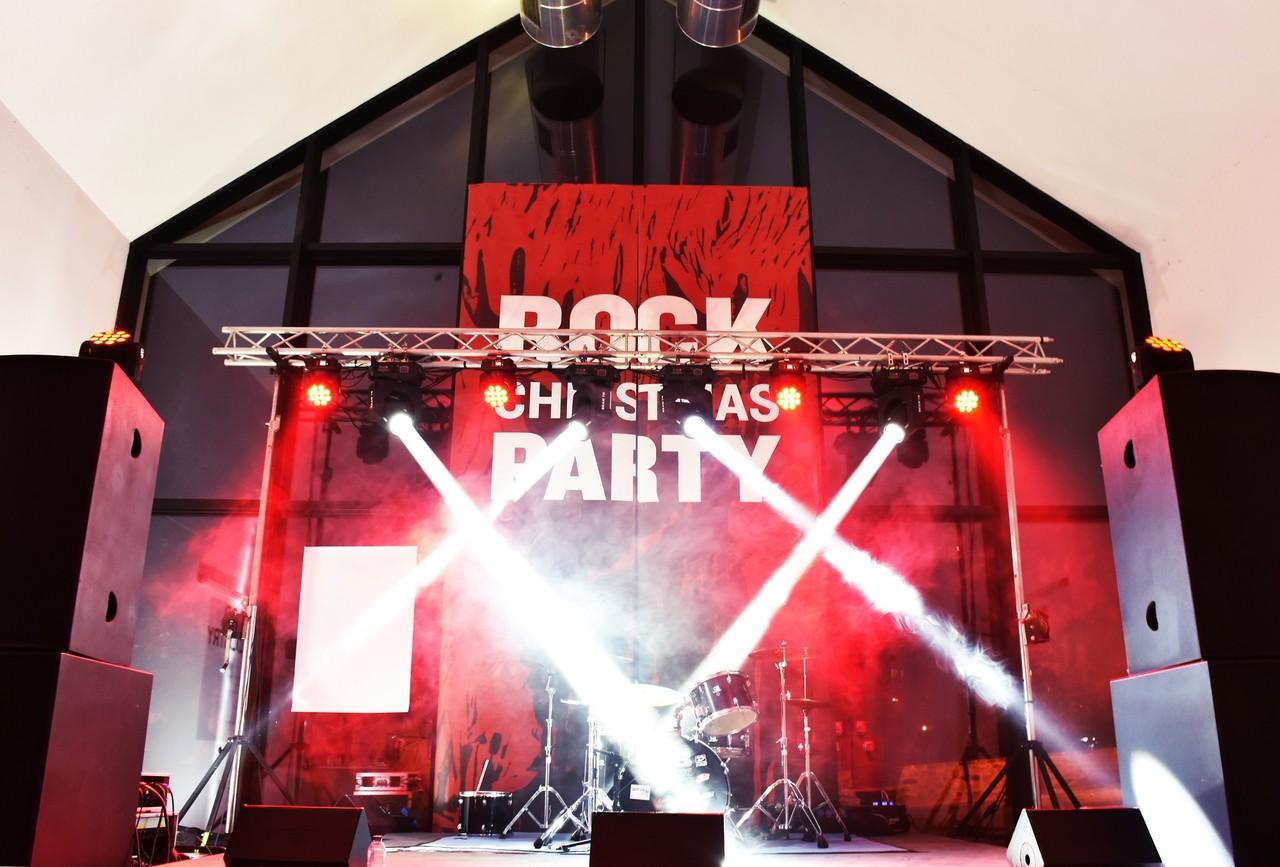 christmas_rock_1.jpg