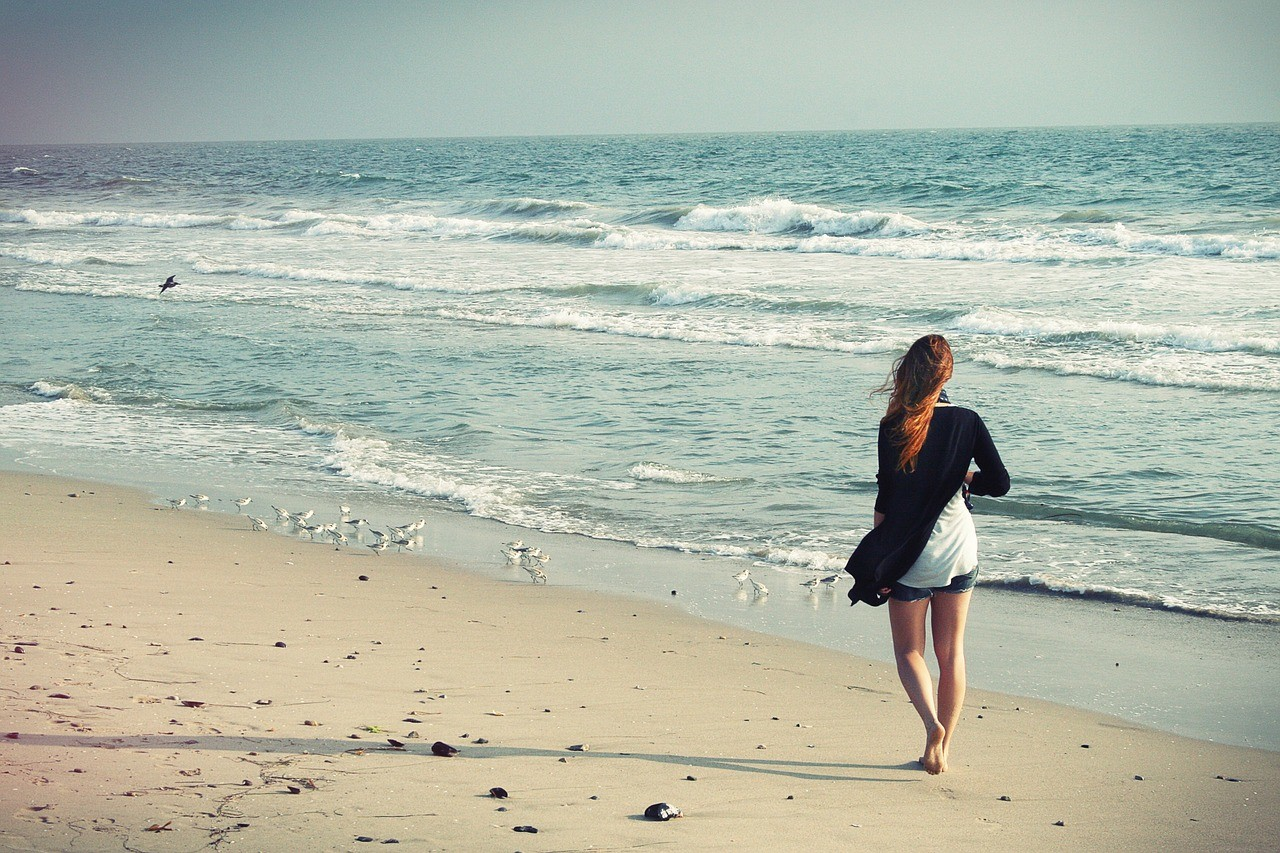 beach-woman-1149088_1280.jpg