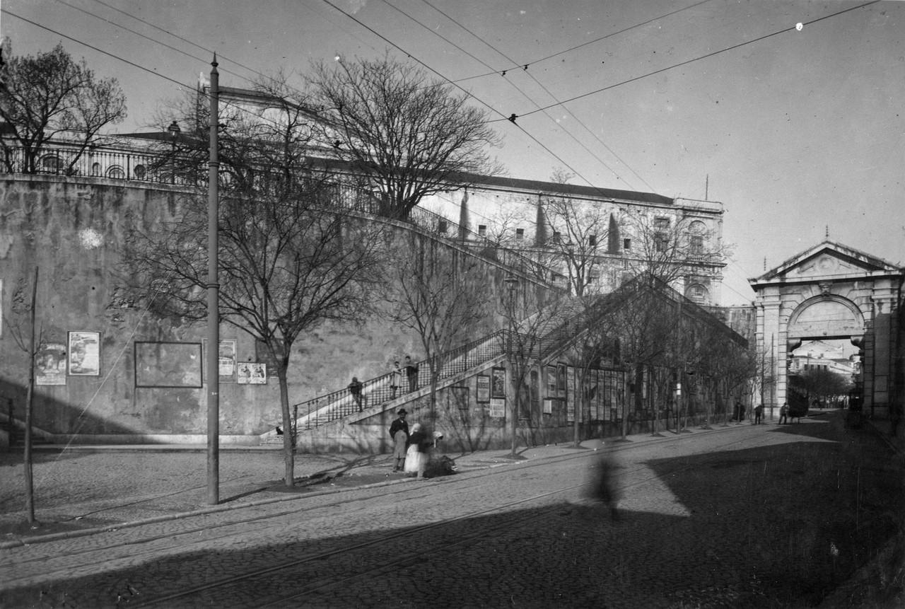 Arco da rua de São Bento e palácio de São Bento