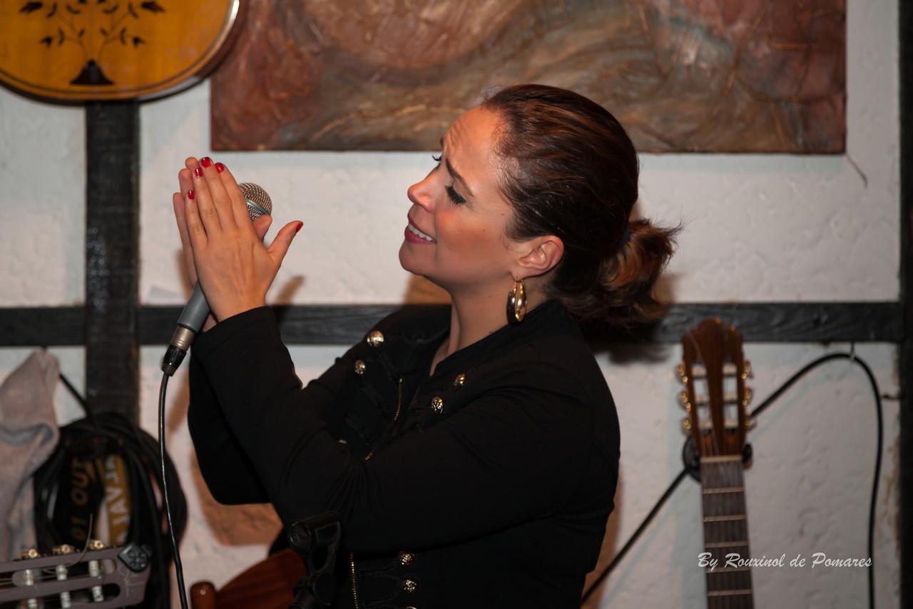 Joana Amendoeira na Taverna dos Trovadores (008)