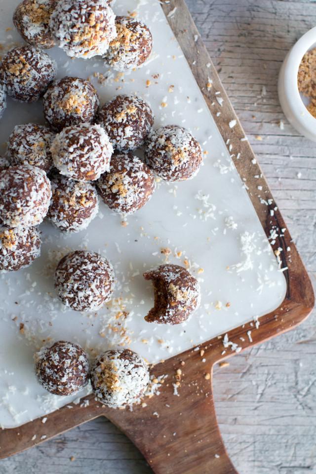 Date-Almond-Coconut-Protein-Balls-4.jpg