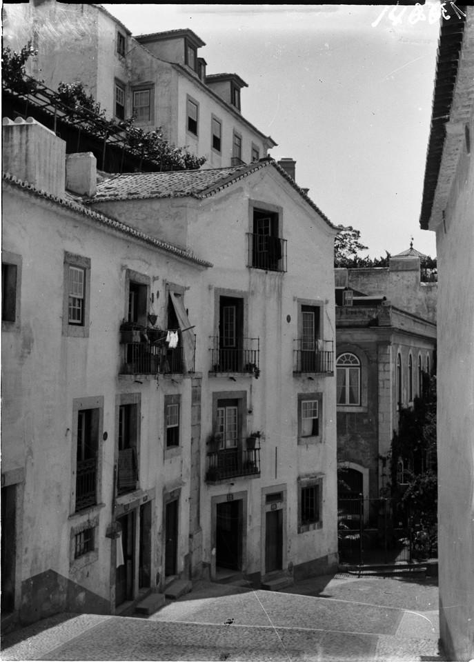 Escadinhas de São Crispim, 1901, foto de Machado