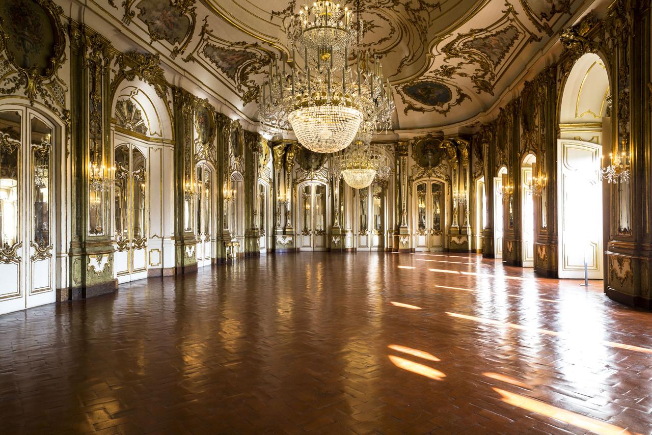 Palacio_de_Queluz_Sala_do_Trono_creditos_PSML-Wils
