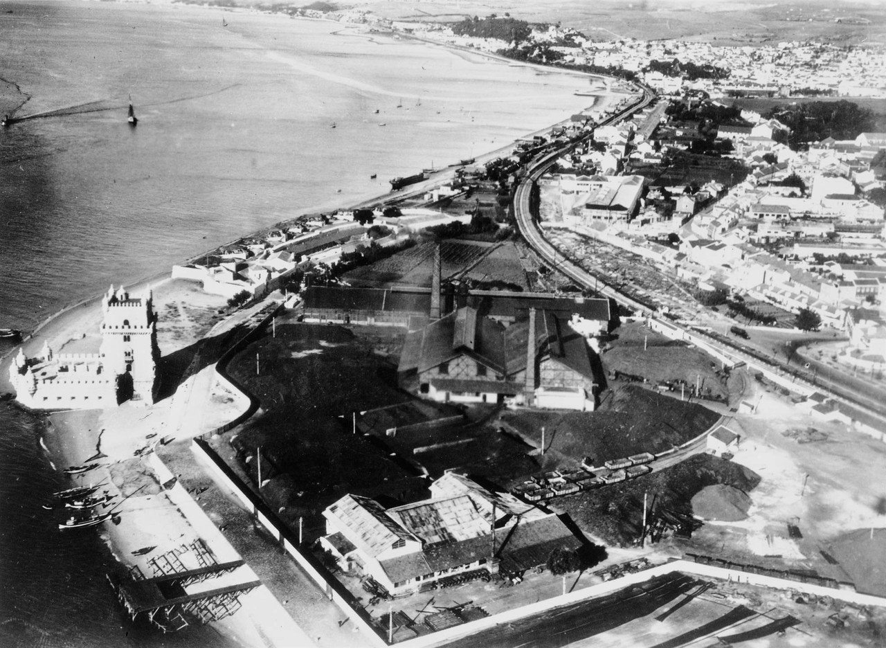 Fotografia aérea sobre a zona de Belém, vendo-se