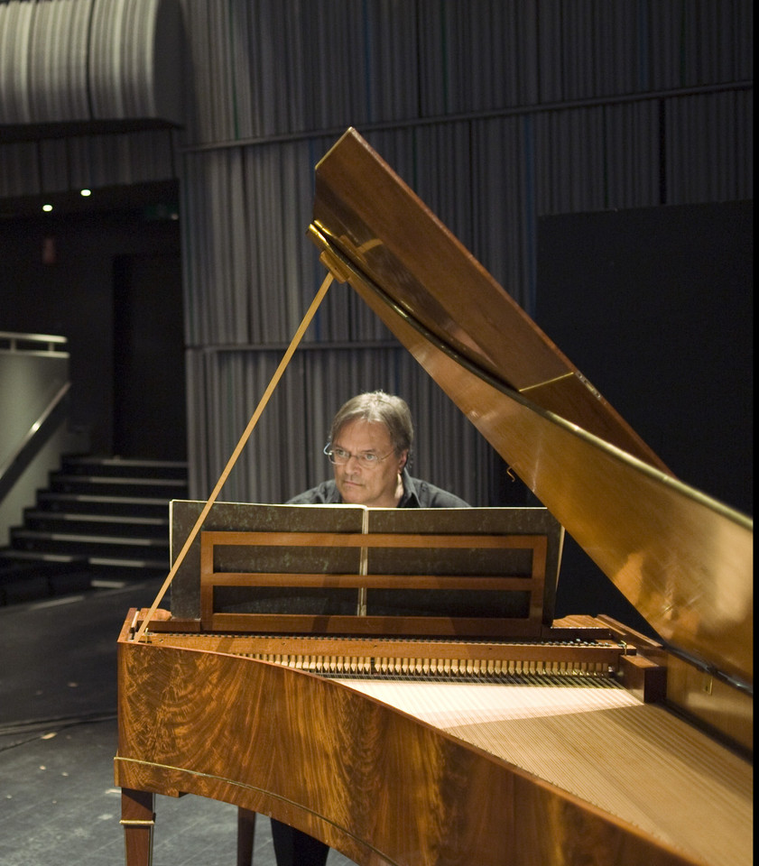 Jos van Immerseel playing the Walter copy by C. Cl
