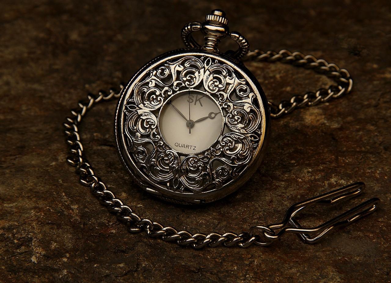 pocket-watch-560937_1920.jpg