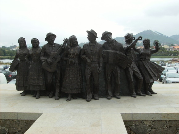 Monumento Feiras Novas (2)