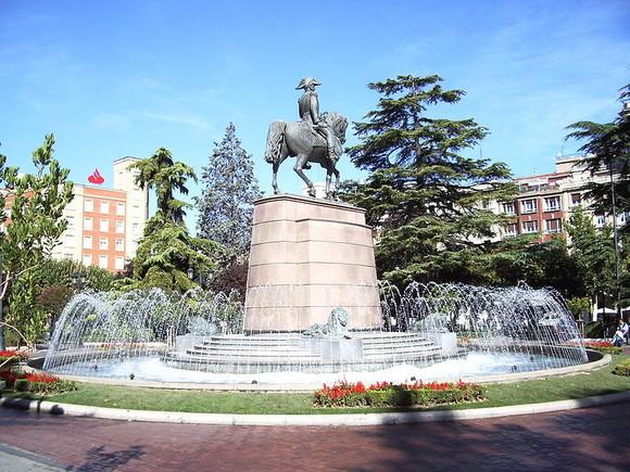 View_of_Paseo_del_Príncipe_de_Vergara_(El_Espoló